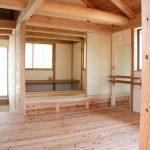 木と漆喰で空気のきれいな家